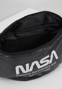 Urban Classics - NASA SHOULDERBAG - Bum bag - black - 4