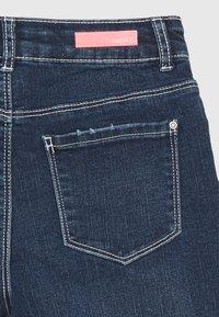 Name it - NKFROSE DNMACECE MOM - Short en jean - dark blue denim - 2