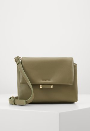 PCJULIA CROSS BODY - Sac bandoulière - olive branch/gold-coloured