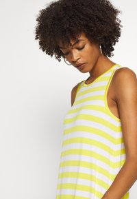 GAP - SWING DRESS - Jerseykjole - yellow - 4
