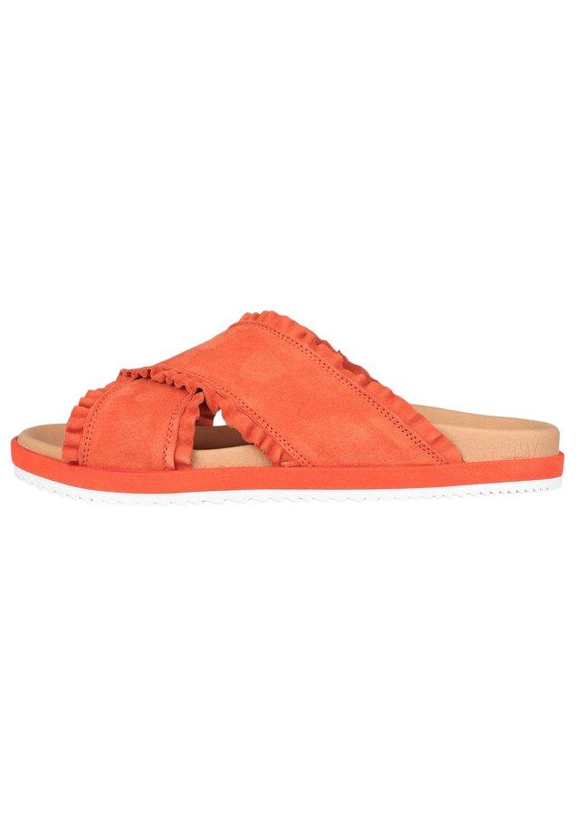 NELA - Mules - orange