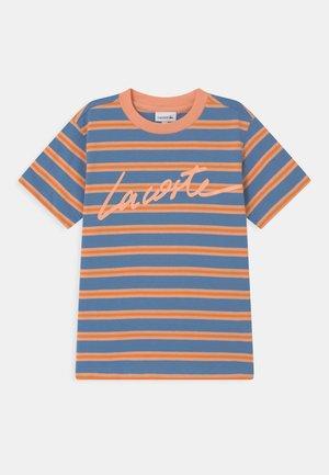 Print T-shirt - turquin blue/ledge/lantern orange