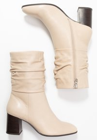 Tamaris - Classic ankle boots - ivory - 3