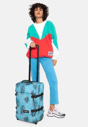 Wheeled suitcase - brize pool