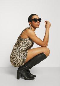 AllSaints - CONI DROPOUT DRESS - Jersey dress - brown - 3