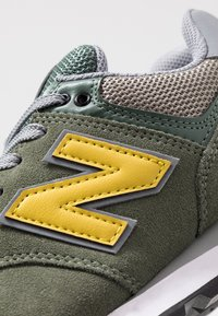 New Balance - ML574 - Sneakers - green - 5