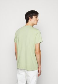 ARKK Copenhagen - BOX LOGO TEE - Basic T-shirt - swamp - 2