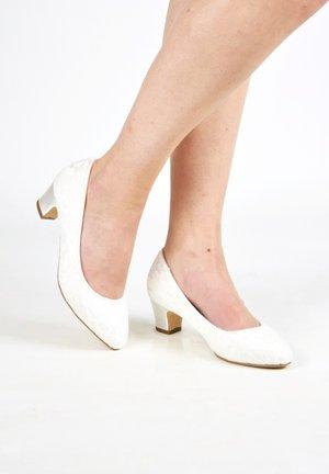 MELANIE-SPITZE - Bridal shoes - ivory