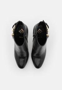 San Marina - VASKEN - Kotníkové boty na platformě - noir - 5