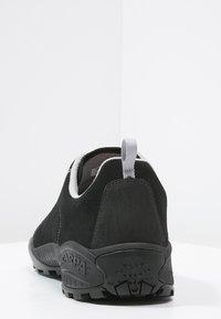 Scarpa - MOJITO UNISEX - Hiking shoes - black - 3