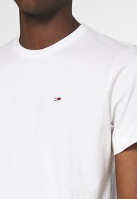 Tommy Jeans - T-shirt basic - white - 4