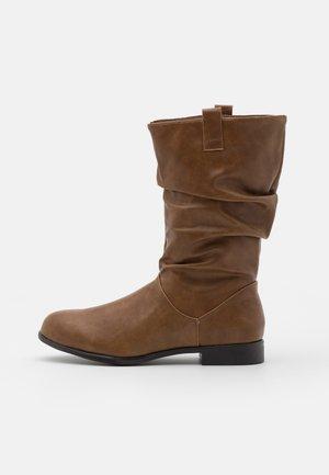 CHERISH - Boots - tan