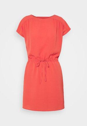 VMSASHA BALI SHORT DRESS PETITE - Day dress - spiced coral