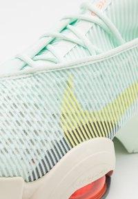 Nike Performance - AIR ZOOM SUPERREP 2 - Zapatillas de entrenamiento - barely green/light zitron/bright mango/pale ivory/hasta - 5