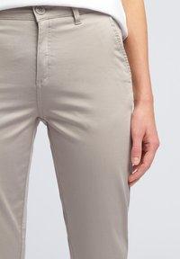 WÓLCZANKA - Spodnie materiałowe - grey - 3