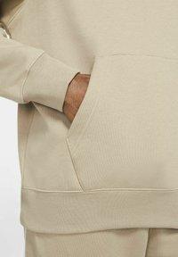 Nike Sportswear - HOODIE  - Luvtröja - khaki - 5