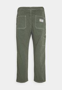 Kaotiko - CARPENTER TROUSERS UNISEX - Trousers - olive - 1
