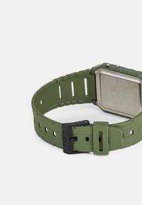 Casio - Digitální hodinky - green - 1