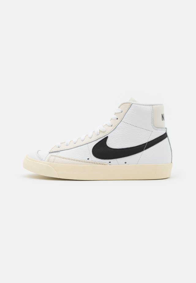 BLAZER MID '77 - Zapatillas altas - summit white/black/pale ivory/beach