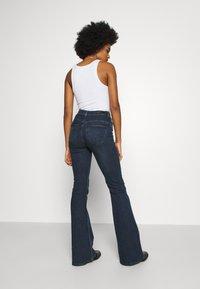Lee - SUPER HIGH FLARE OPTIX - Jeans a zampa - clean aurora - 2