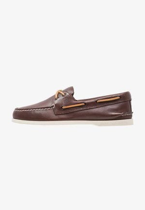 Boat shoes - classic brown