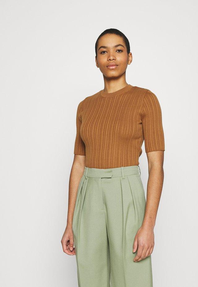 CELOSIA PULL - Print T-shirt - brown sugar