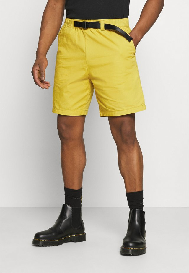 BELTED UTILITY UNISEX - Shorts - yellows/oranges