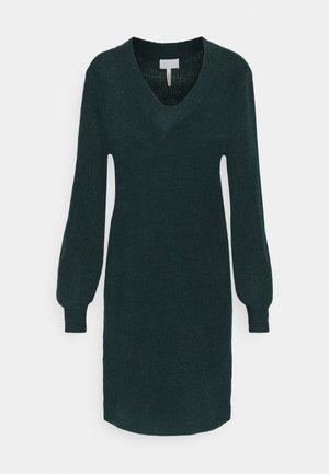 OBJIRINA DRESS  - Gebreide jurk - scarab