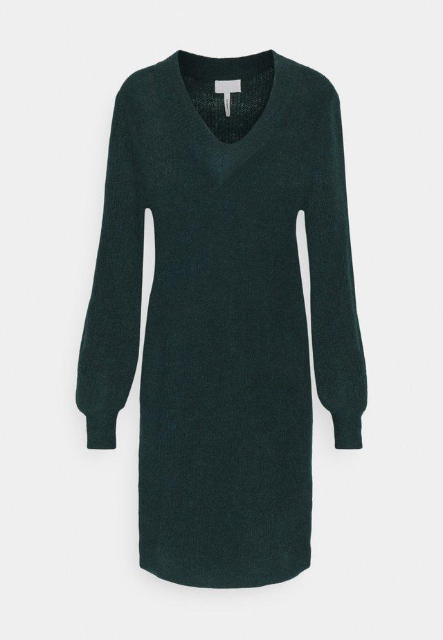 OBJIRINA DRESS  - Sukienka dzianinowa - scarab