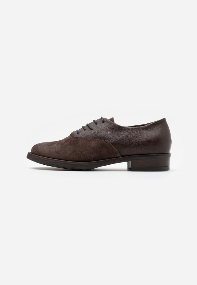 QUEEN - Lace-ups - brown