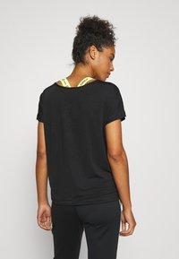 ONLY Play - ONPADELIA TEE - Camiseta estampada - black - 2