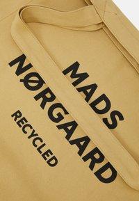 Mads Nørgaard - BOUTIQUE ATHENE - Tote bag - beige/black - 3