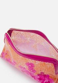 Ted Baker - ELAA - Wash bag - pink - 2
