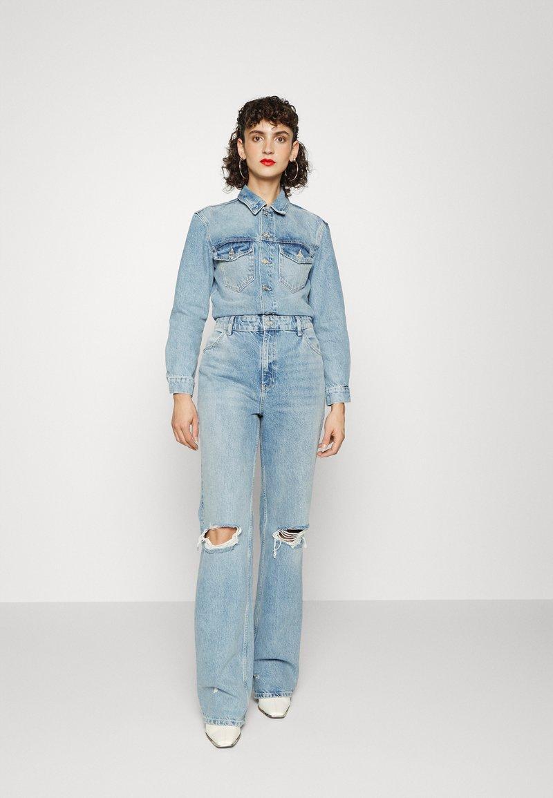 ONLY Tall - ONLINC DREA LIFE JUMPSUIT TAL - Jumpsuit - light blue denim