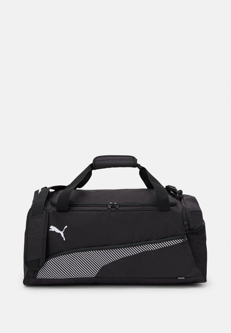 Puma - FUNDAMENTALS SPORTS BAG M UNISEX - Sportovní taška - black