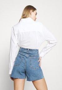 Object - OBJPENNY - Shorts di jeans - light blue denim - 4