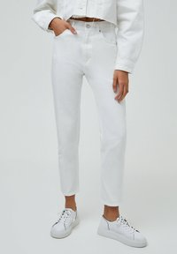 PULL&BEAR - MOM - Relaxed fit jeans - white - 0