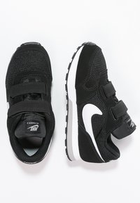 Nike Sportswear - MD RUNNER  - Zapatillas - black/white/wolf grey - 1