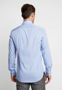 Tommy Hilfiger Tailored - POPLIN CLASSIC SLIM SHIRT - Formální košile - blue - 2