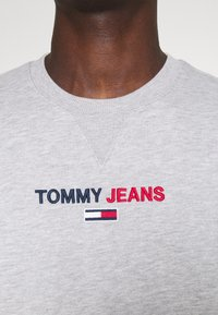 Tommy Jeans - LINEAR LOGO CREW - Sweatshirt - grey - 3