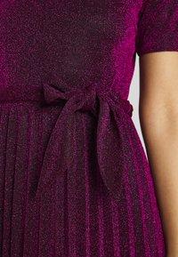 King Louie - BETTY PLISSE DRESS GLITTER PLISOLEY - Jersey dress - vivid purple - 4