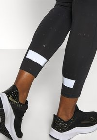 Nike Performance - AIR 7/8 - Tights - black - 5