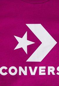Converse - STAR CHEVRON LOGO TEE - T-shirt imprimé - cactus flower - 2