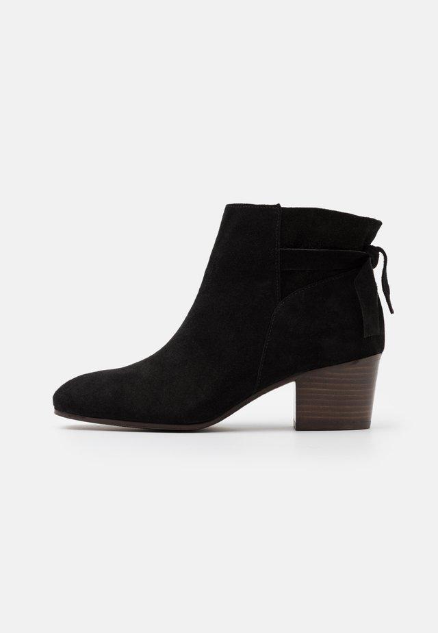 ADELITA - Korte laarzen - noir