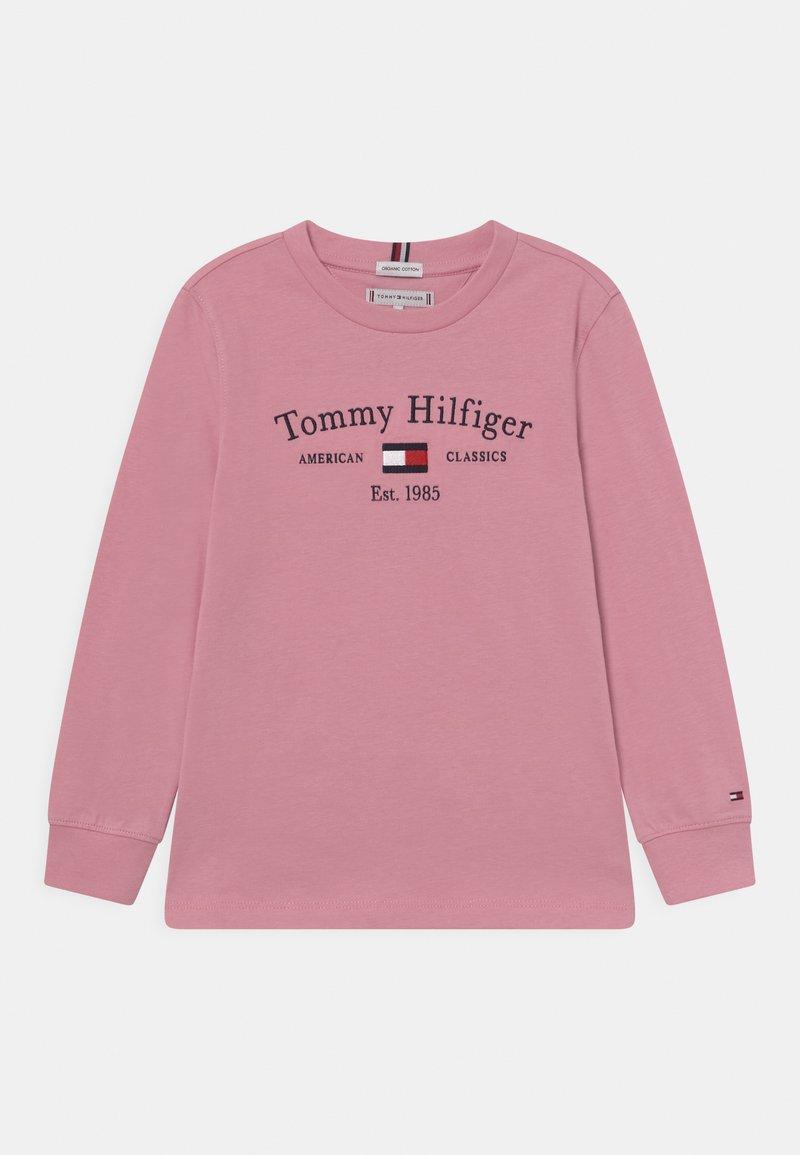 Tommy Hilfiger - ARTWORK TEE UNISEX - Long sleeved top - pale primrose