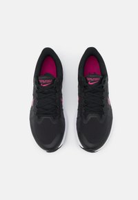Nike Performance - WINFLO 8 - Neutrala löparskor - black/fireberry/dark smoke grey/white - 3