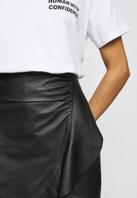2nd Day - SPRUCIA - Mini skirt - black - 3