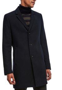 s.Oliver BLACK LABEL - IM CLASSIC SHAPE - Short coat - dark blue melange - 6