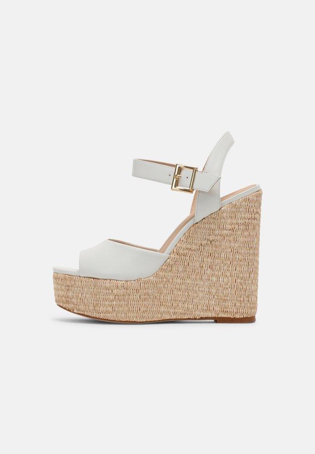 JAMEA - Sandalen met plateauzool - blanc