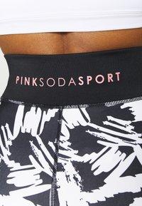 Pink Soda - SCRIBBLE - Leggings - black/white - 3